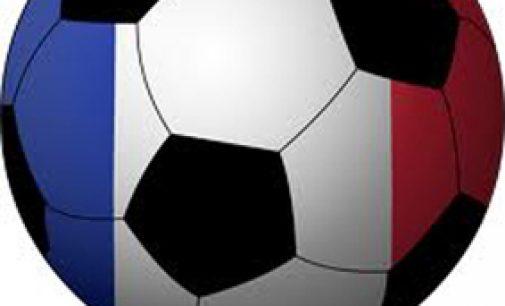 FOOT : le nouveau champion, le CLUB COLONIAL, A RENFORCE SES LIGNES