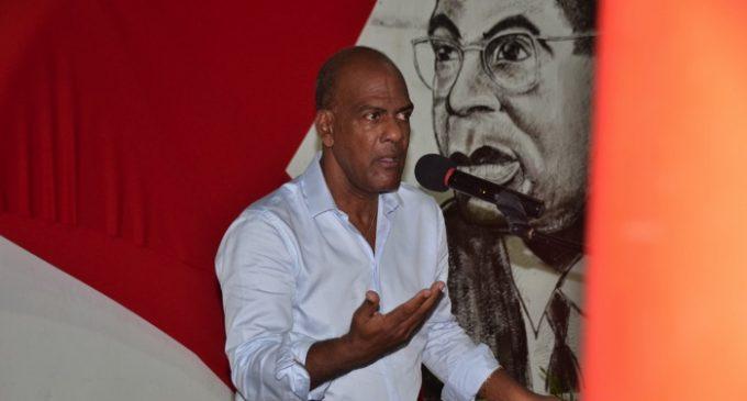 CHLORDECONE : Le député Letchimy proteste, Raphael Confiant rétorque…