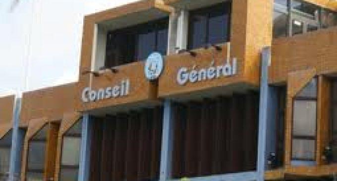 Conseil général : 21 conseillers désapprouvent une sanction contre la directrice générale des services. Que va faire Josette Manin ?