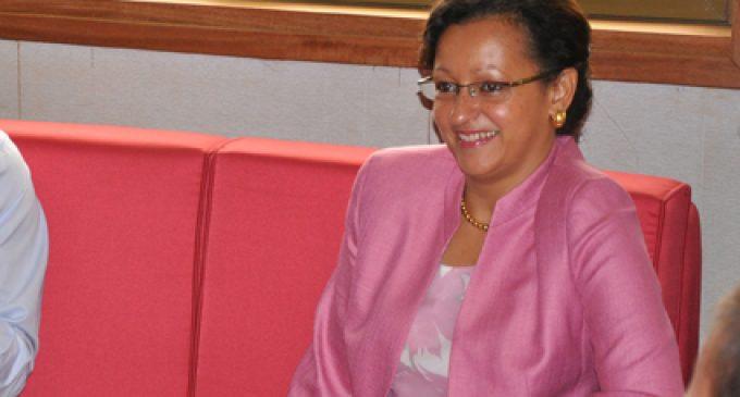 La Ministre Marie-Luce Penchard répond à Victorin Lurel, psdt Conseil Régional de Guadeloupe