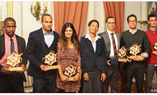 Couveuses d'entreprises: Georges Pau-Langevin récompense six lauréats