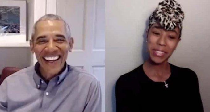 Barack Obama surprend les enseignants de Chicago lors d'un appel vidéo  Virtuel.