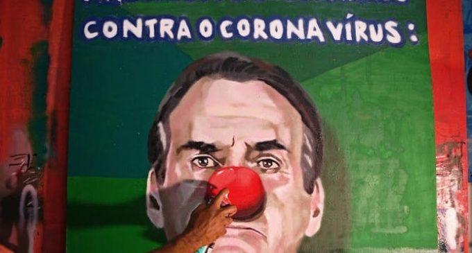 Face à sa gestion de crise au Brésil, le pouvoir de Bolsonaro ébranlé
