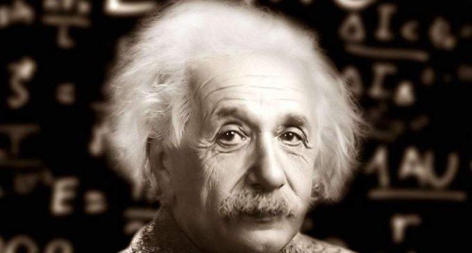 Les deux errreurs d'Einstein