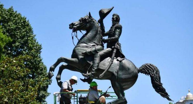 Débat : Faut-il déboulonner les statues ?
