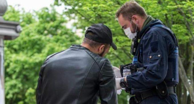 Confinement : en Europe, les minorités ethniques visées «de manière disproportionnée» par la police, selon Amnesty International