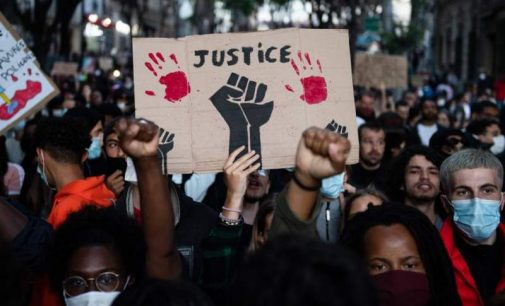Les discriminations ethniques, failles du modèle universaliste français ?