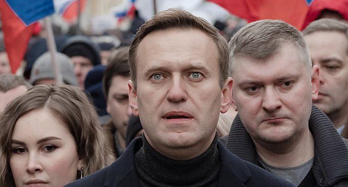 [Revue de presse] L'empoisonnement d'Alexeï Navalny ravive les tensions entre Moscounu et Berlin (Publié le 27/09/2020)