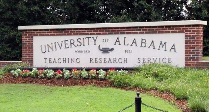 L'Université d'Alabama ordonne à la faculté de se taire sur l'épidémie.