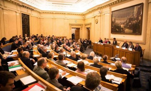 Racisme : Jean-Marc Ayrault veut rebaptiser salles et bâtiments Colbert