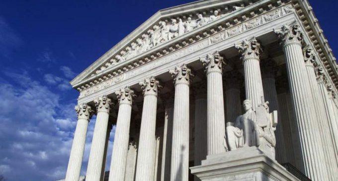 La Cour suprême a autorisé mardi l'administration Trump à mettre fin au recensement . (Publié le 16 oct. 2020.)