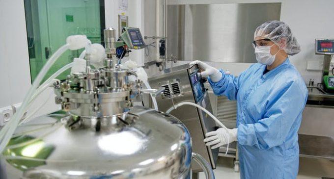 Vaccins Pfizer, Moderna, Sanofi, Spoutnik : au-delà des effets d'annonce, que faut-il retenir