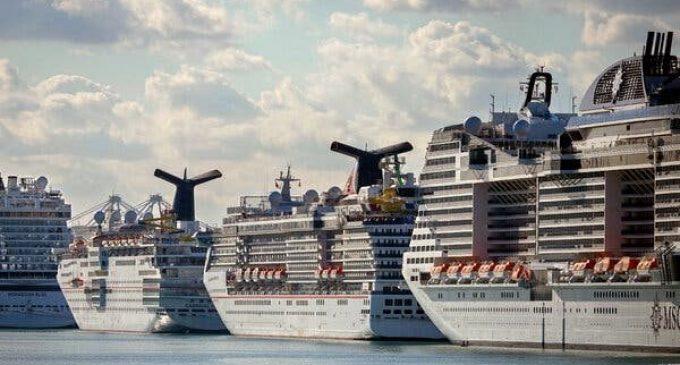La Maison Blanche a bloqué l'ordre du CDC de garder les navires de croisière à quai