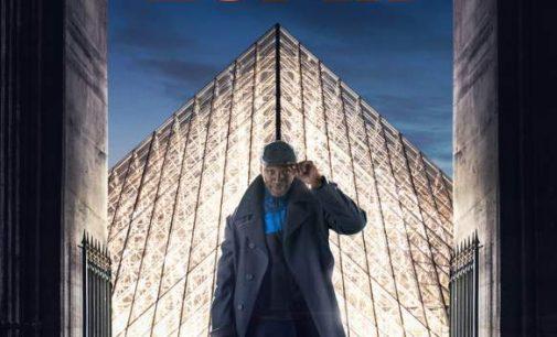 Zapping : Omar Sy incognito dans le métro parisien colle des affiches de sa série
