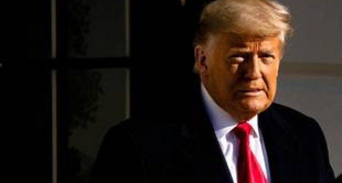 Impeachment de Donald Trump : Les avocats de l'ancien président jettent l'éponge avant son procès.