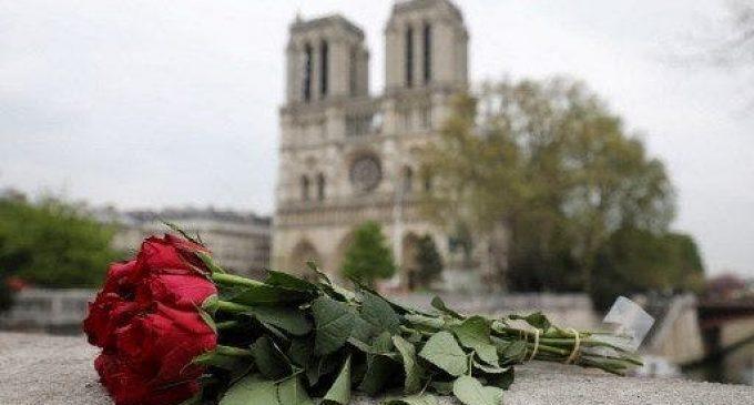 Incendie de Notre-Dame : deux ans après le choc émotionnel, quelle place pour l'Eglise catholique en France ?