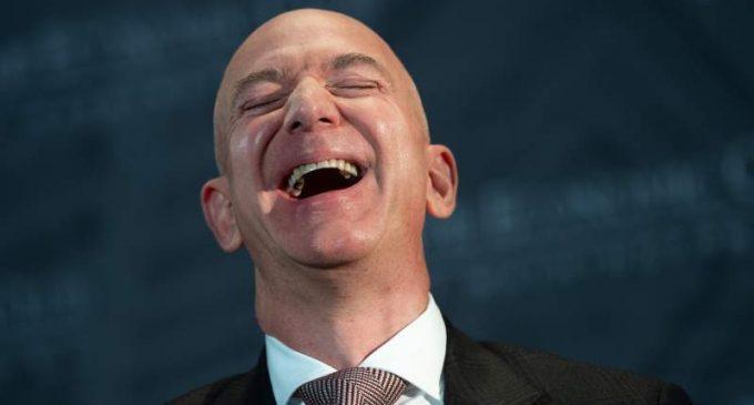 Jeff Bezos s'apprête à faire quelque chose qu'aucun civil n'a fait avant lui.