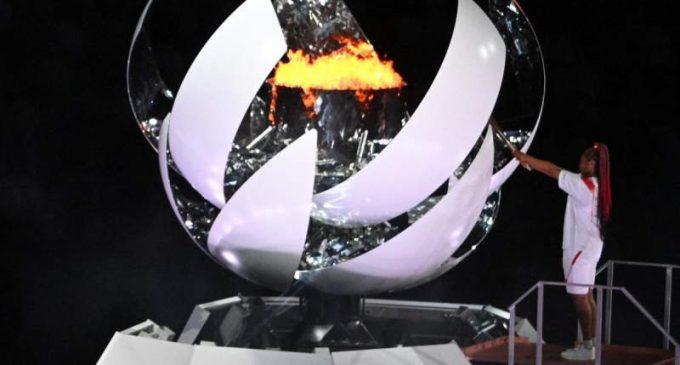 JO TOKYO 2020 – NAOMI OSAKA BRILLE DANS UN JAPON OÙ DES MÉTIS SONT ENCORE VICTIMES DE PRÉJUGÉS