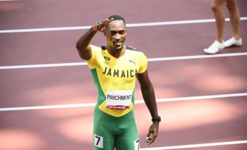 Le champion olympique du 110m haies Hansle Parchment, « sauvé » par une bénévole, a failli manquer sa demi-finale des JO de Tokyo