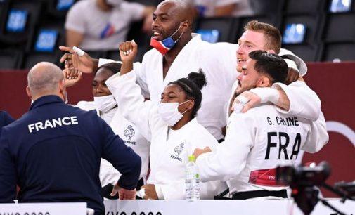 JO 2021 : Teddy Riner décroche l'or par équipes mixtes, sa troisième couronne olympique