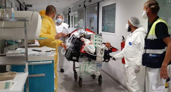 Je ne l'ai pas mal vécu, ce n'était pas catastrophique», les soignants venus en renfort préfèrent se focaliser sur leur mission